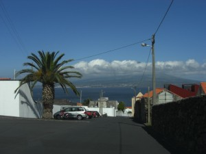 Driving into Horta (Pico mountain is obscurred by the clouds)