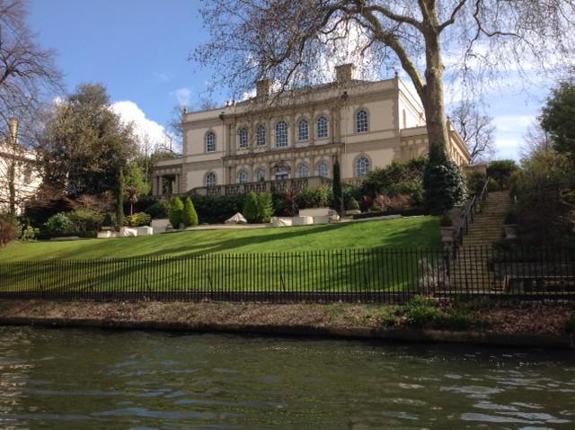 Villa along Regent's Canal